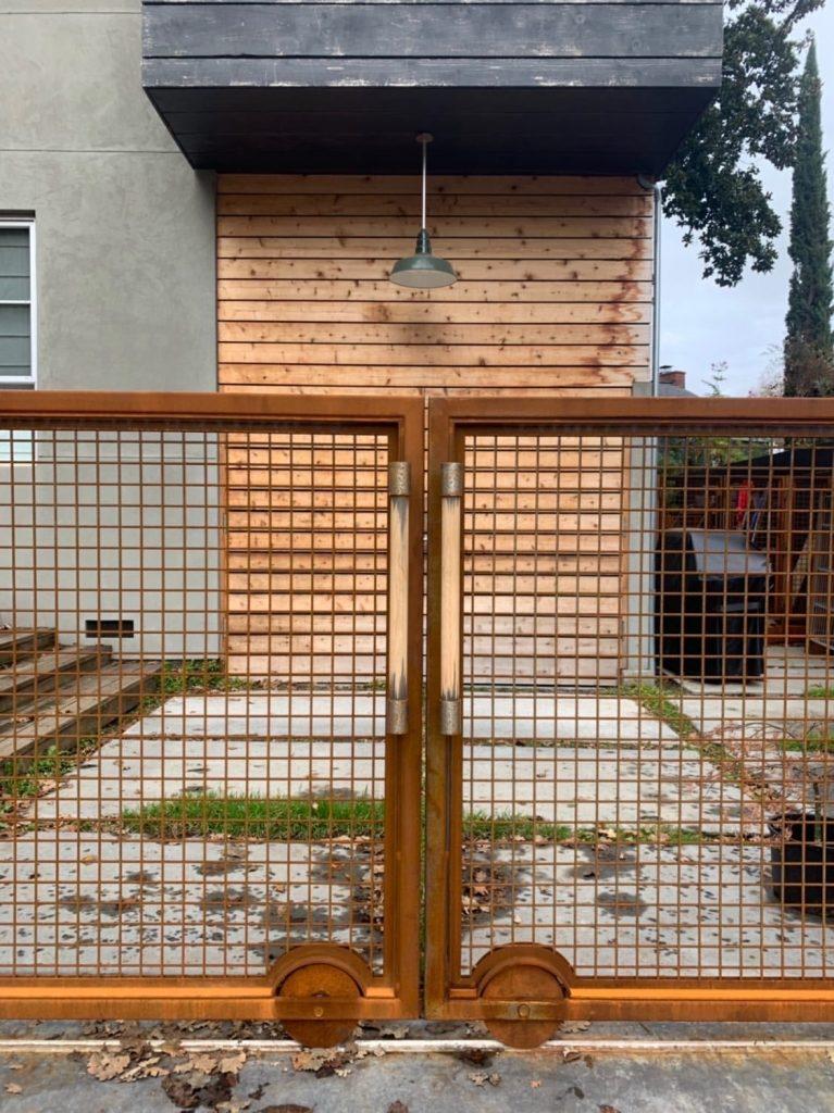 Weathering steel fencing